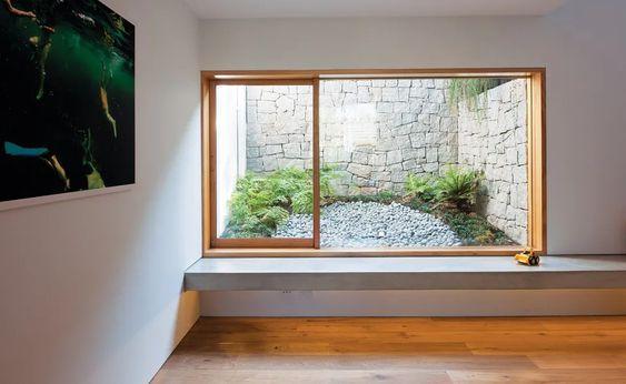 puits de fenêtre sous-sol