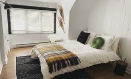chambre lambris blanc