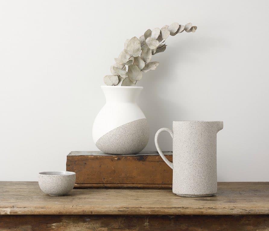 DIY deco vases transformés avec aerosol Rust Oleum effet pierre
