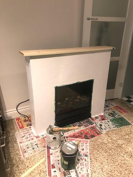 cheminée / foyer électrique relooké avec du plâtre