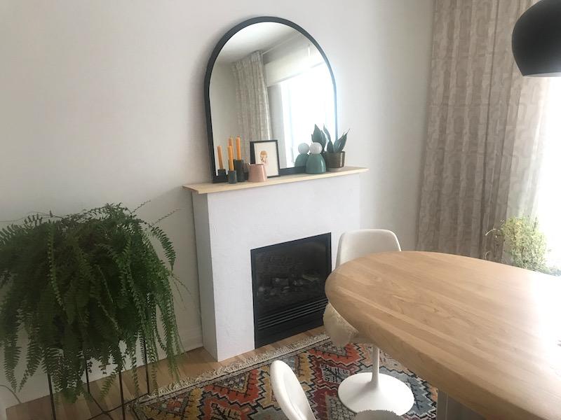 DIY cheminée / foyer électrique relooké avec du plâtre et peint en blanc