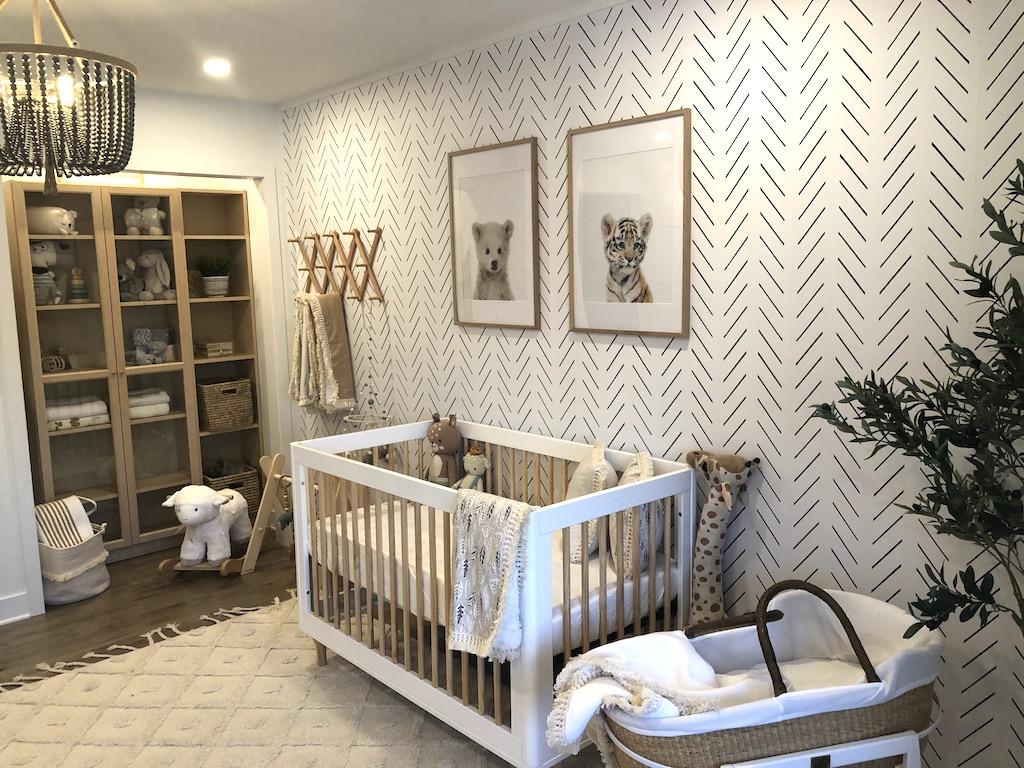chambre de bébé tendance neutre naturelle organique. Bois et beige