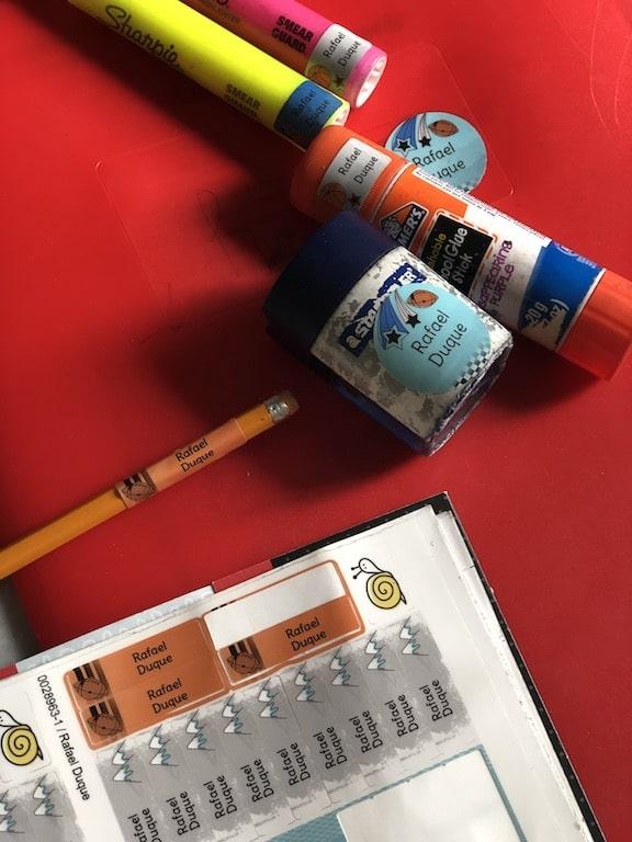 étiquettes identification matériel scolaire