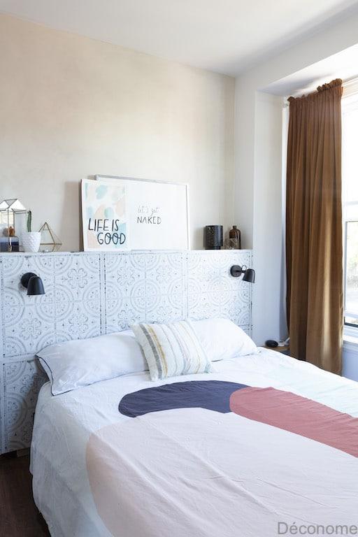 mur a la chaux rosé dans une chambre