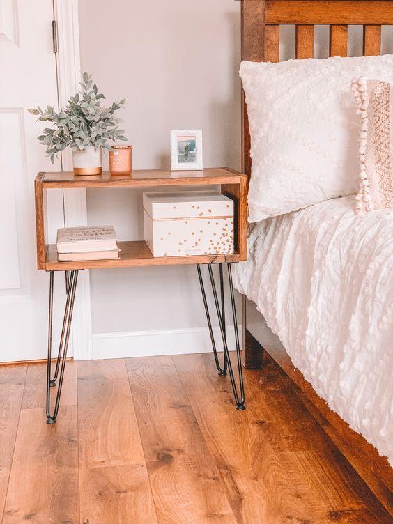 table de chevet facile DIY hairpin legs